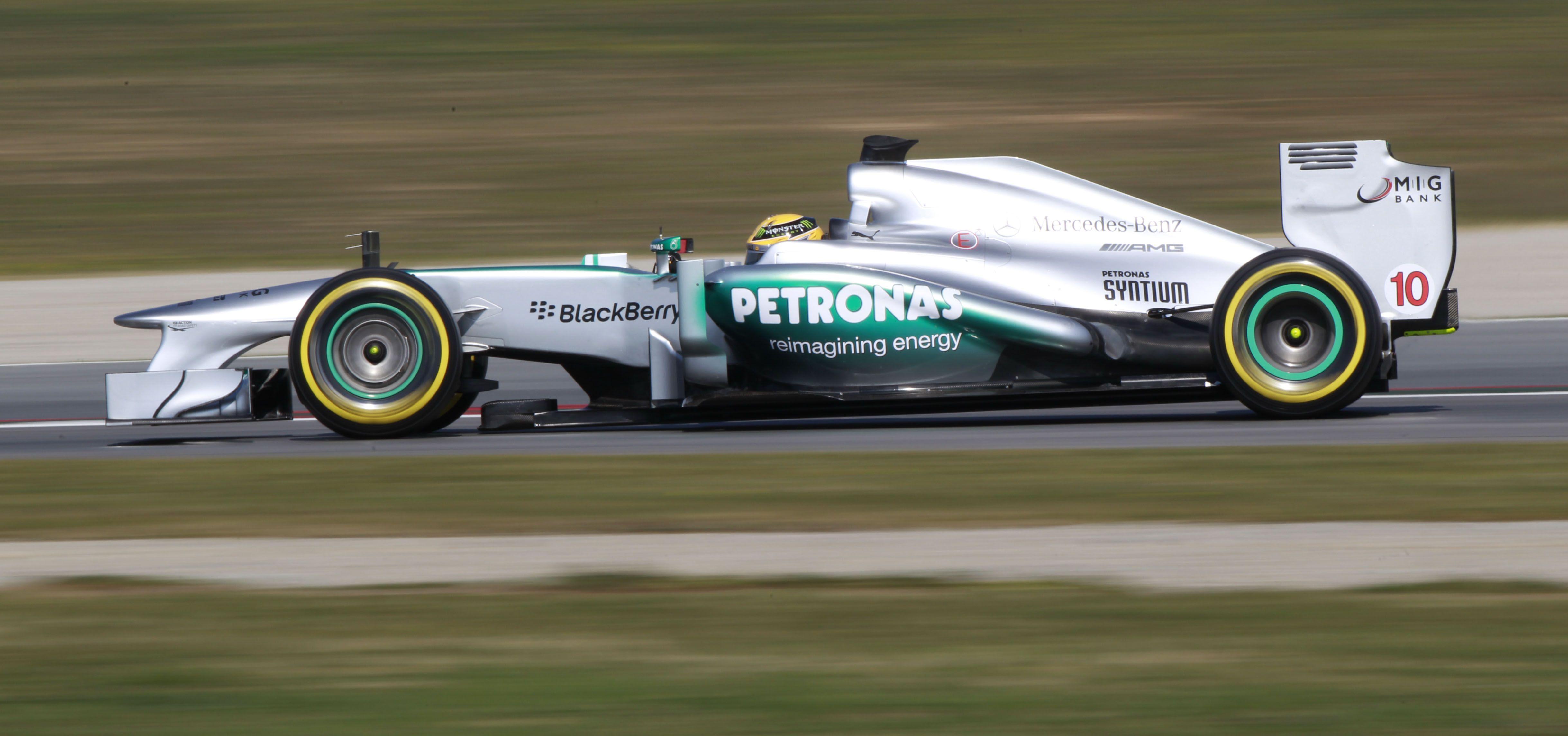 Mercedes-AMG-Formel1-2013-2