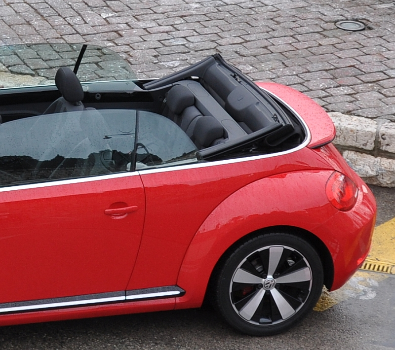 vw beetle cabrio 2013 verdeck von webasto edscha. Black Bedroom Furniture Sets. Home Design Ideas
