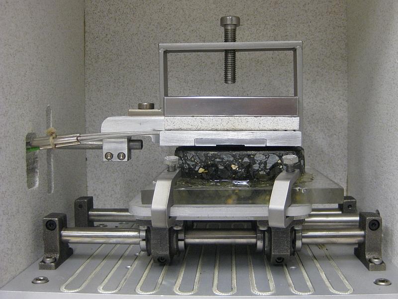 Apparatur zur Bestimmung der Gummireibung