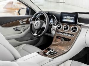 2014 Mercedes C-Klasse W205-Cockpit