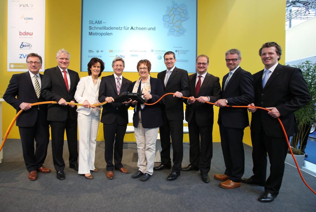 SLAM–Auftakt auf der Hannover Messe mit Wirtschaftsstaatsekretärin Brigitte Zypries und den Konsortialpartnern