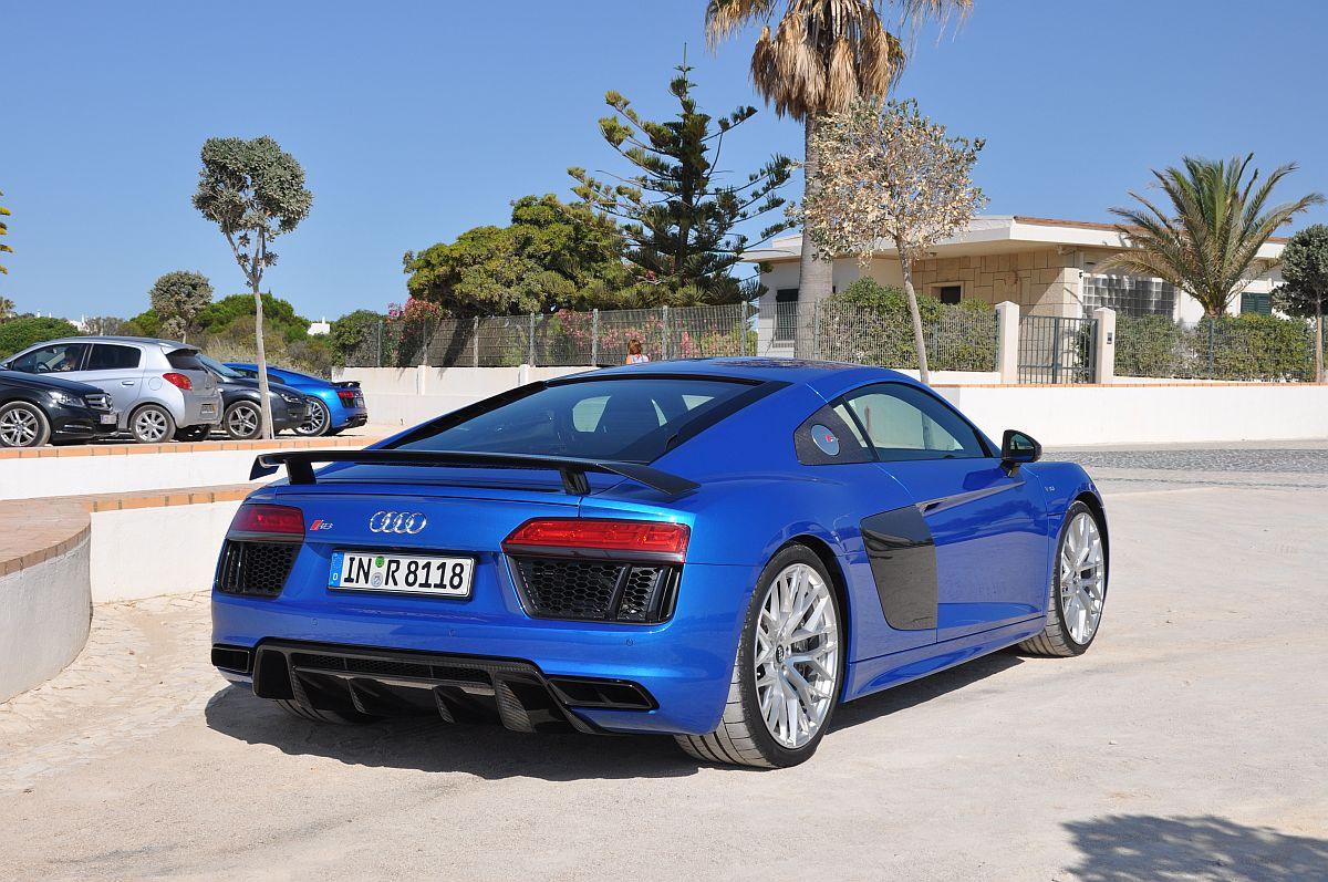 Audi R8 V10 plus 02