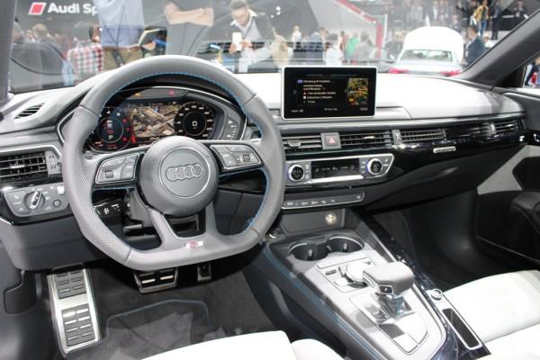 Audi S4 Cockpit