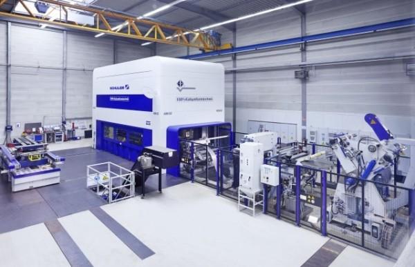 Seit Dezember 2015 steht bei Fischer & Kaufmann in Finnentrop eine 1600 Tonnen starke Presse mit TwinServo-Technologie von Schuler.