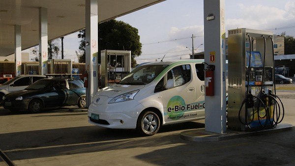 Nissan e-NV200e-Bio-Fuel Cell-3