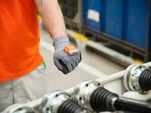 Smart-Handschuh Pro-Glove in der Logistik bei Skoda