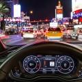 """""""Time-to-Green"""": Der Fahrer sieht im Audi virtual cockpit oder Head-up-Display, ob er im Rahmen der erlaubten Geschwindigkeit die nächste grüne Ampel erreicht. Bild: Audi AG"""