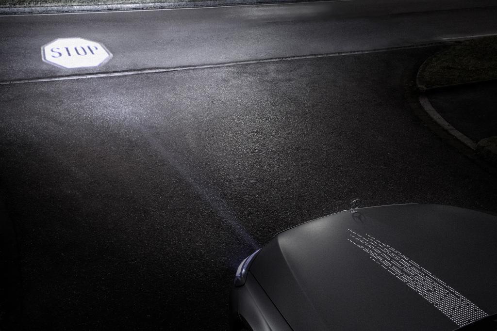 mercedes-benz-digital-light