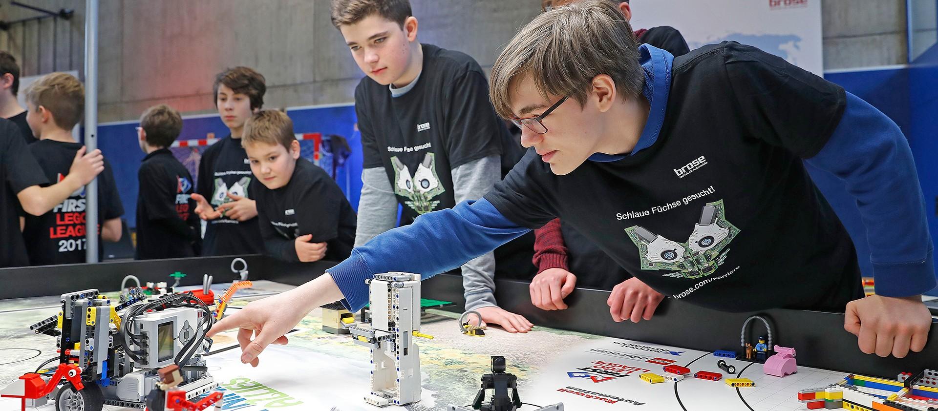 Brose-Wettstreit-der-Lego-Roboter-in-Wuerzburg-2017_presse_xl_1920