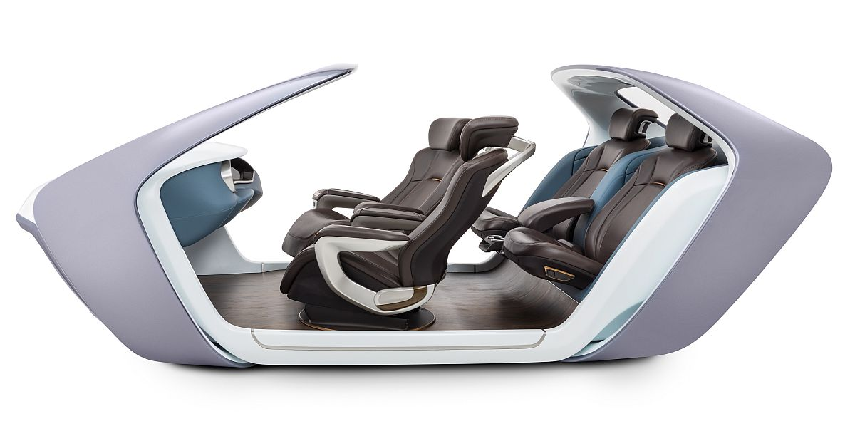 Adient zeigt Innenraum-Studie AI17 für das autonome Fahren