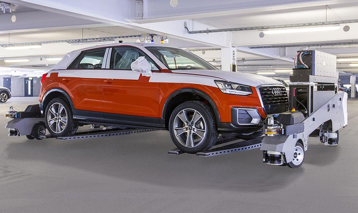 Fahrerloses Transportsystem Audi gewinnt Preis für autonom arbeitende Park-Roboter