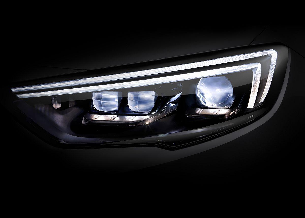 IntelliLux LED Matrix-Licht im Opel Insignia