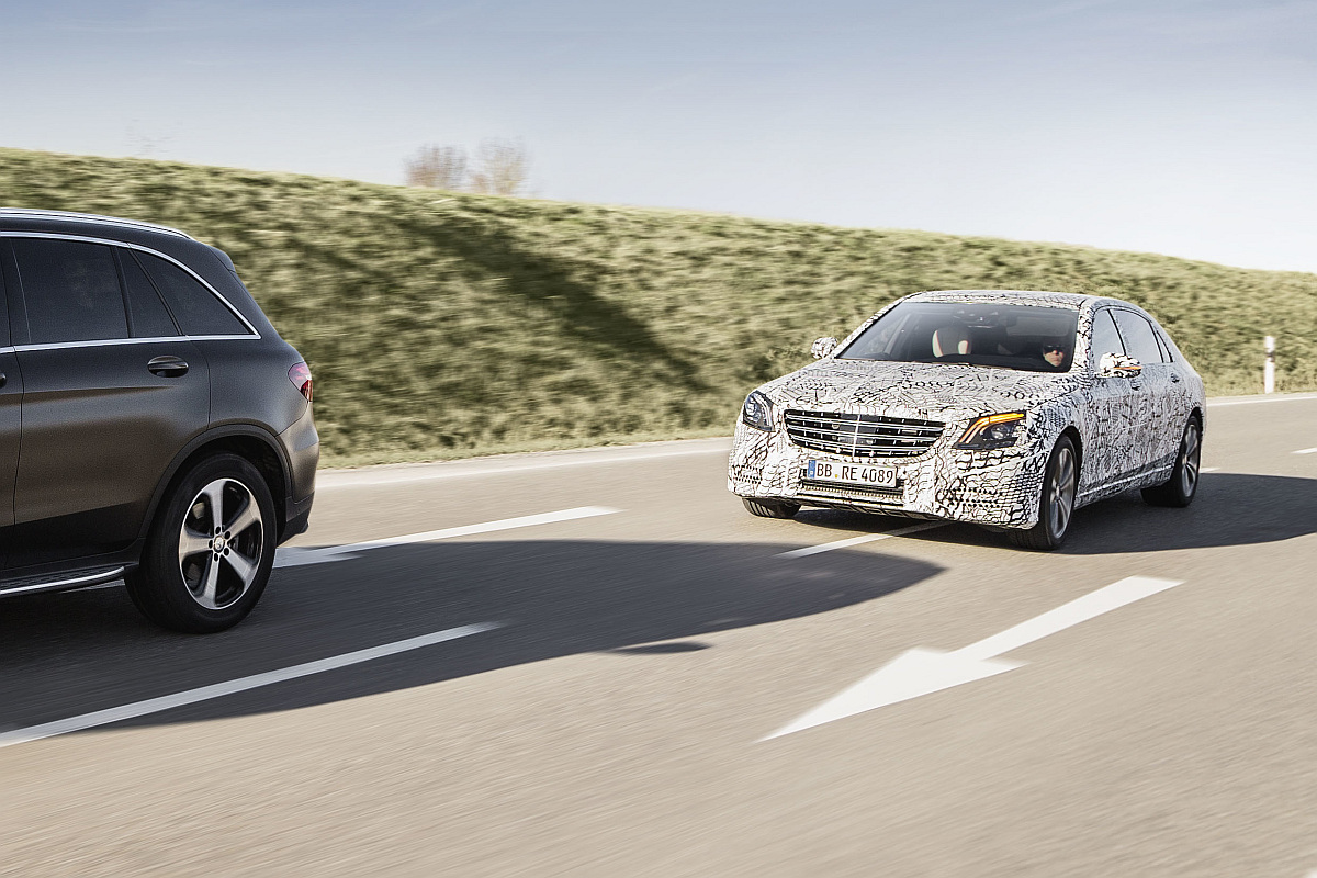 Mercedes-Benz Intelligent Drive in der neuen S-Klasse-2