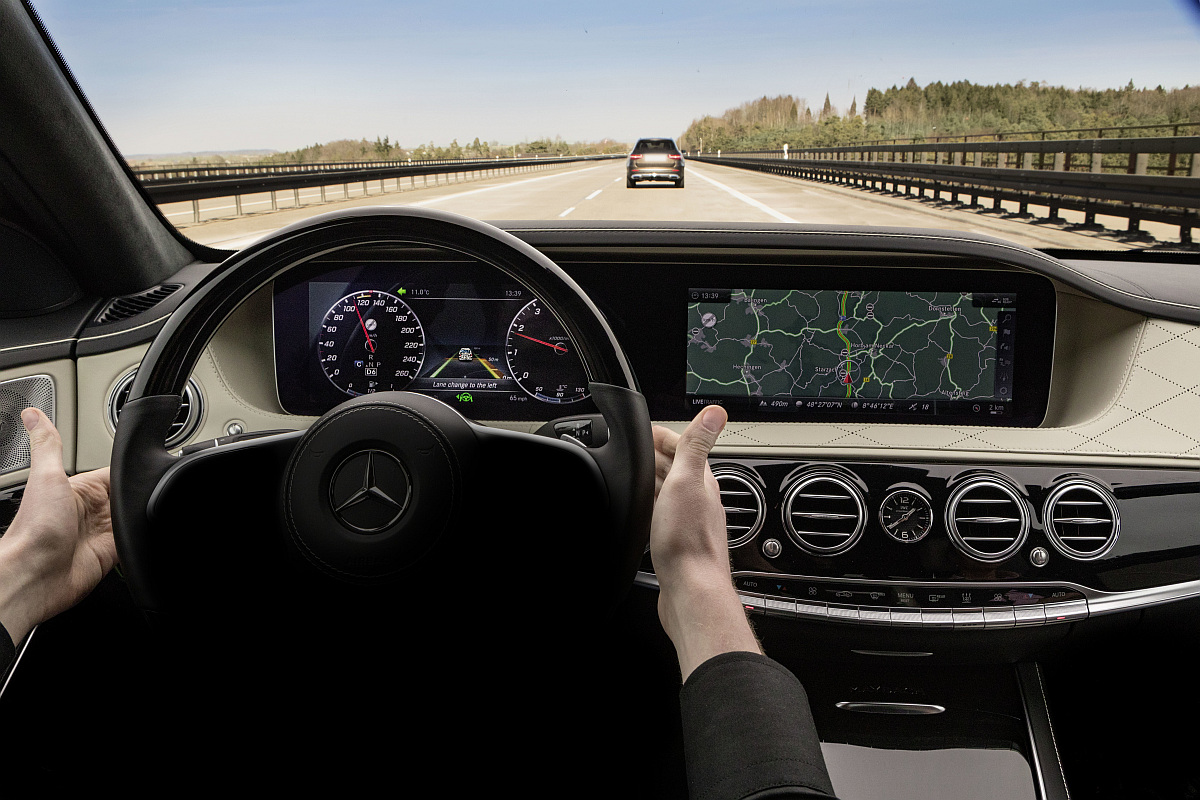 Mercedes-Benz Intelligent Drive in der neuen S-Klasse