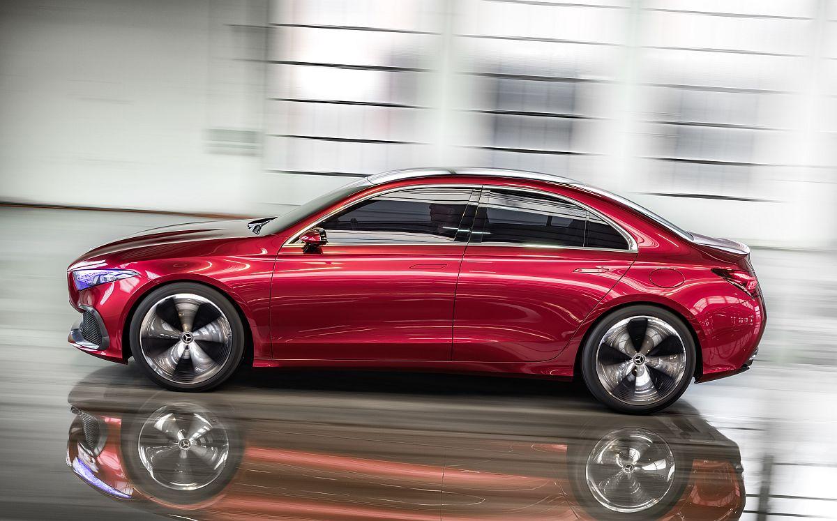 Mercedes-Concept-A-Sedan-02
