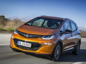 Opel-Ampera-e_2017_01-600x400