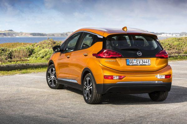 Opel-Ampera-e_2017_02-600×400