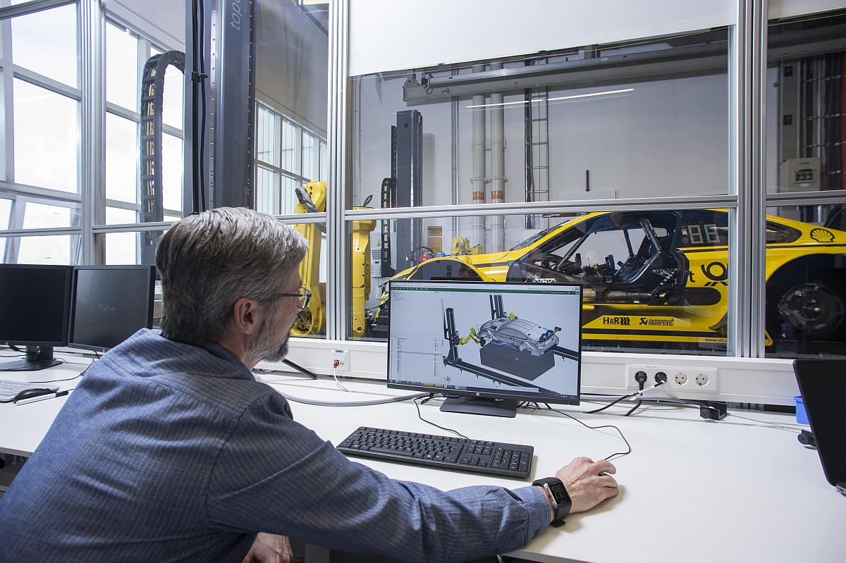 State-of-the-Art-Qualitätskontrolle 3D-Messtechnik beim BMW M4 DTM 3