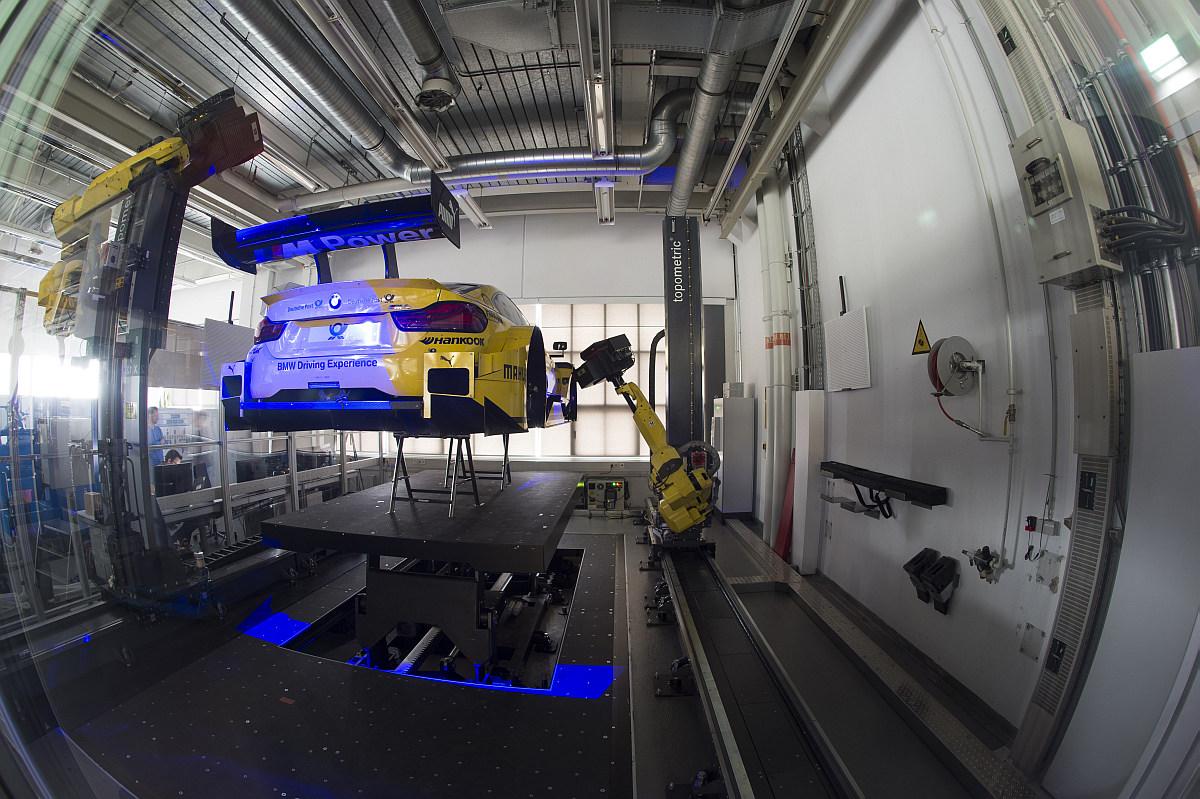 State-of-the-Art-Qualitätskontrolle 3D-Messtechnik beim BMW M4 DTM 4