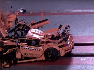 ADAC Crashtest-Porsche 911 GT3 RS Lego Crash