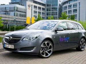 """Opel beteiligt sich mit einem Insignia-Versuchsfahrzeug am Forschungsprojekt """"Ko-HAF – Kooperatives hochautomatisiertes Fahren""""."""