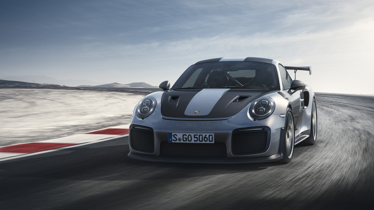 Porsche 911 GT2 RS-02