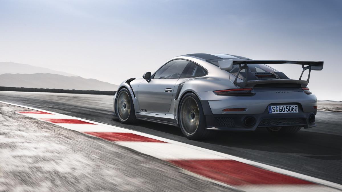 Porsche 911 GT2 RS-03