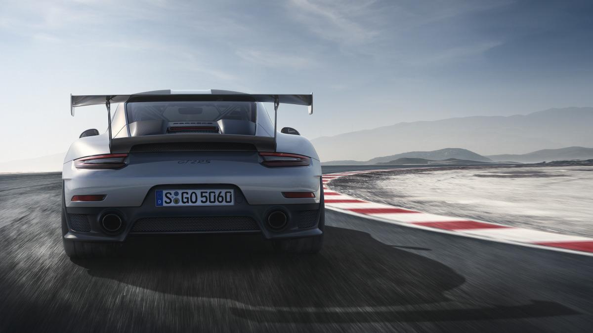 Porsche 911 GT2 RS-05