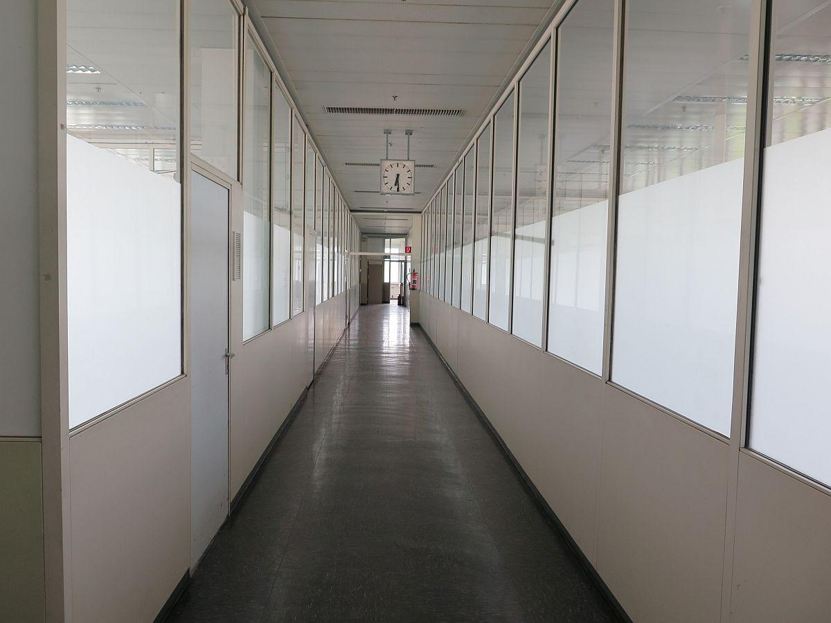 Altes-Opel-Verwaltungsgebäude-Bochum-Flur