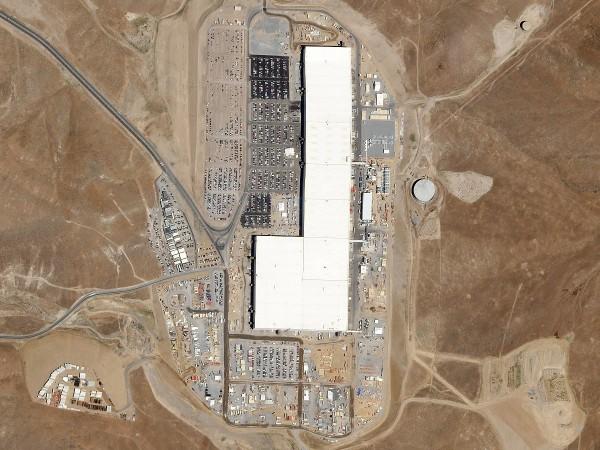 Tesla Gigafactory_2017_01
